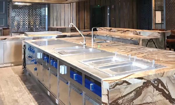 商用厨房设备为什么要选择用不锈钢材质