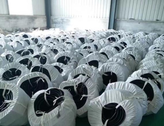今天陕西止水带厂家给大家讲一下且型橡胶止水带使用方法