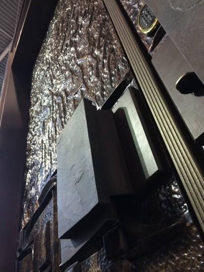 铜木装甲门安装