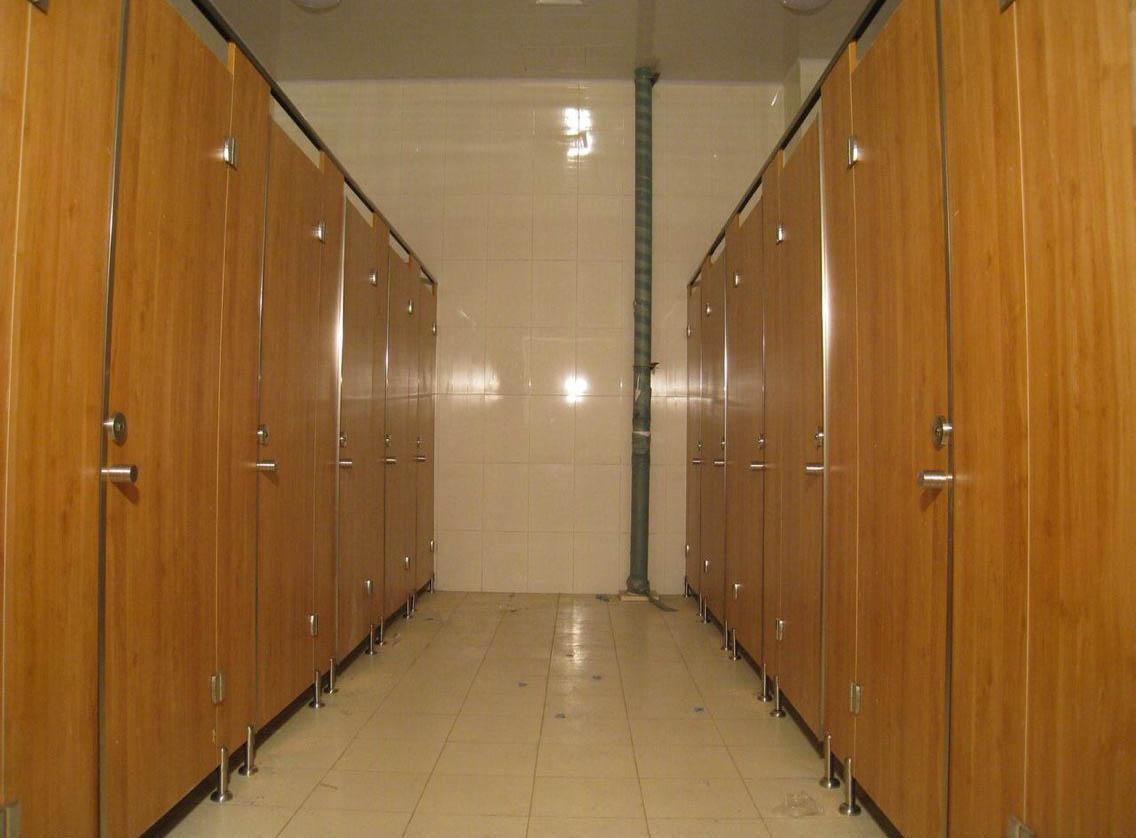 成都卫生间隔断墙安装