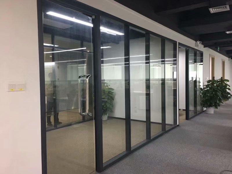 成都玻璃隔断墙厂家