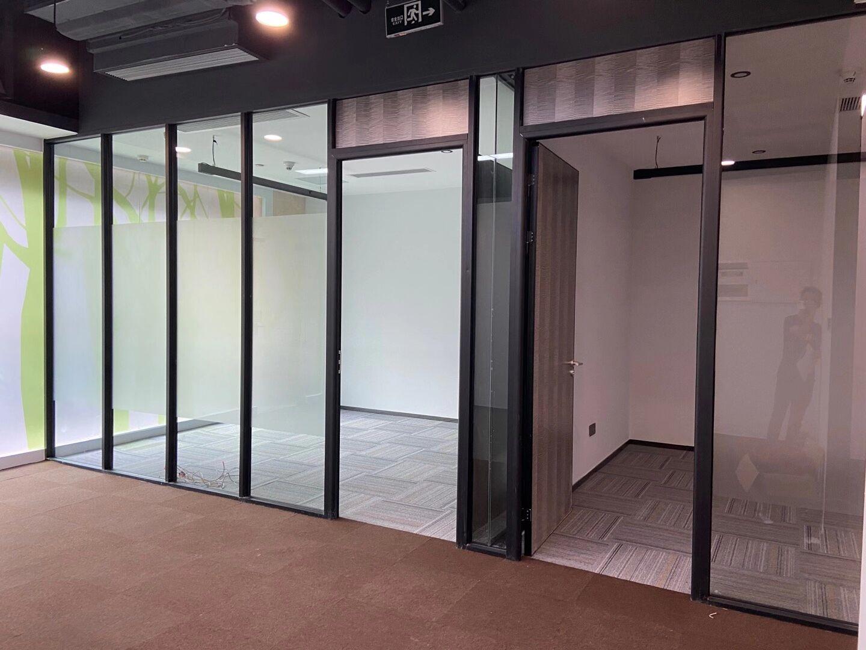 成都玻璃隔断墙成功案例展示