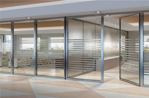 成都办公室隔断选择什么材质比较好呢?