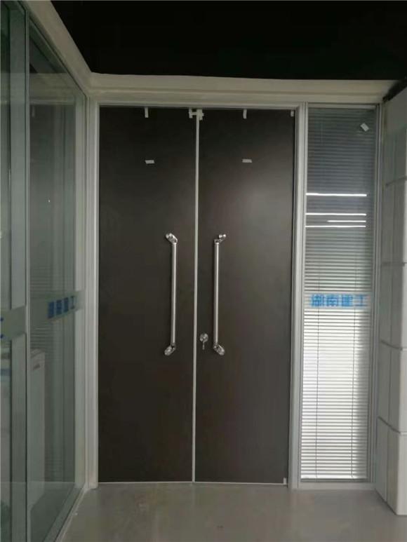 蛟龙港玻璃隔断案例