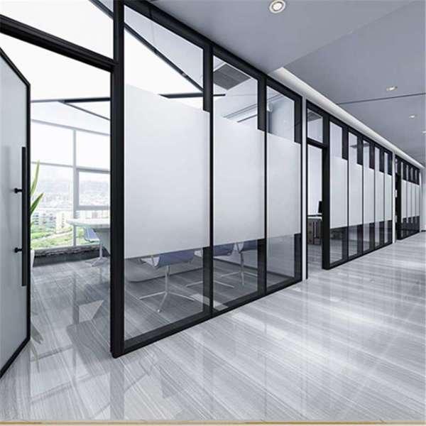 如何选择合适自己的品质和定位玻璃隔断墙