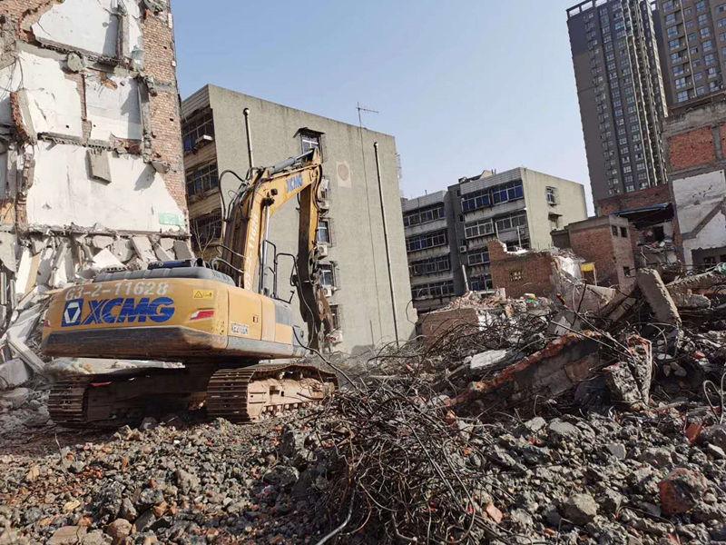 高楼建筑物拆除施工