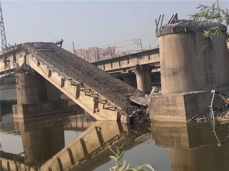 快来看看!咸阳沣河铁路老桥,正在拆除!
