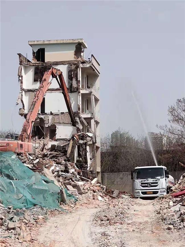 建筑物拆除时需要注意哪些安全的呢