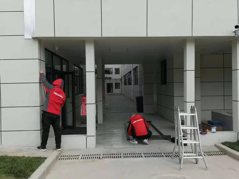 富平县医院拼接屏安装