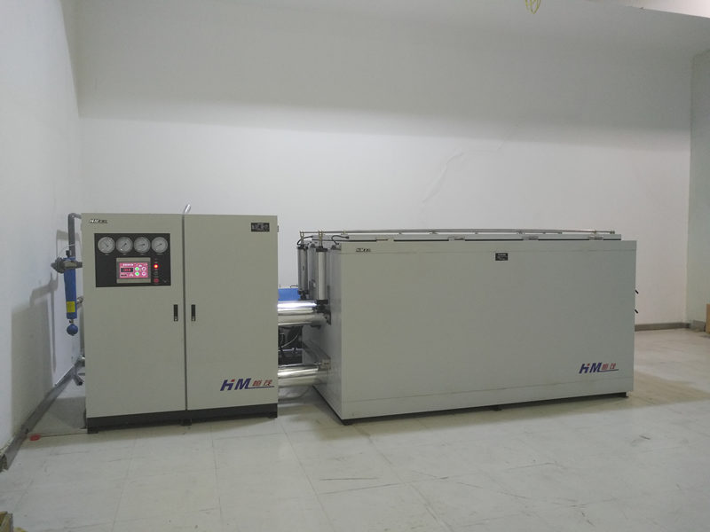 高低温装配机