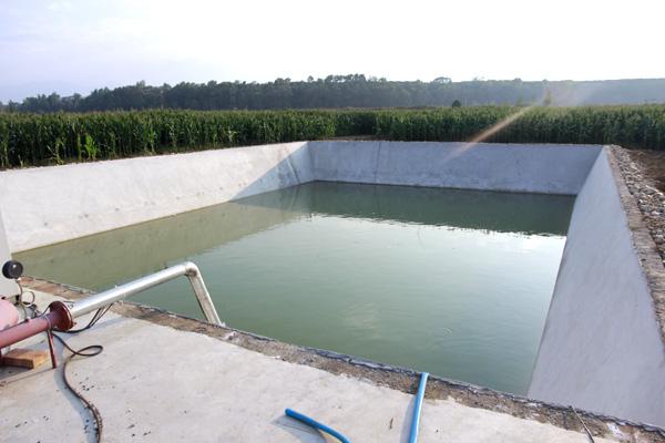 铺设蓄水池防渗膜基面如何做到有效清理?