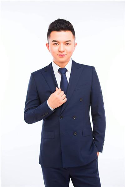 播音组教师——张云钦