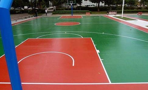硅PU球场地坪性能吸引了越来越多的运动场施工者的青睐