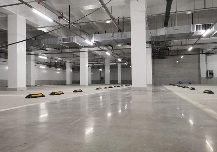 莱安中心地下车库地坪施工