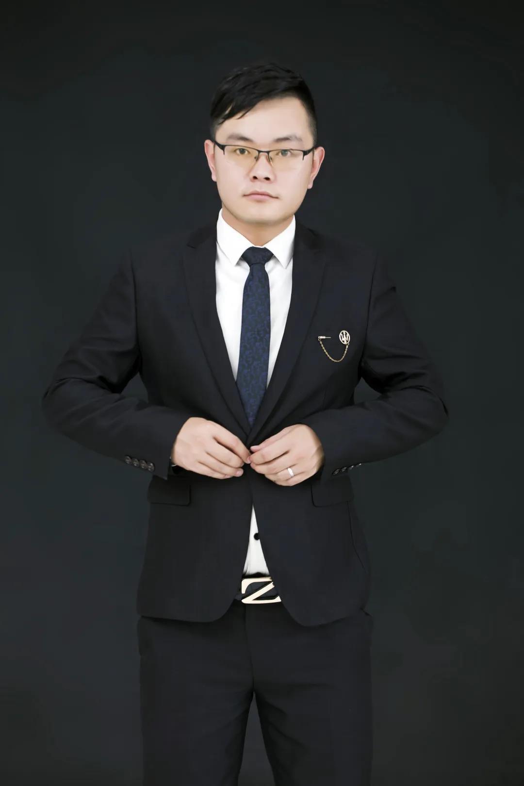 首席设计师张伟