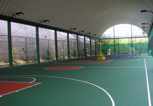 兰州硅pu篮球场与丙烯酸篮球场哪个好