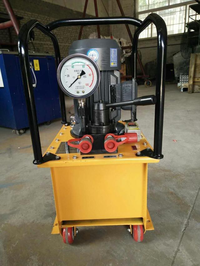 超高壓電動泵的使用優勢大于超高壓手動泵的使用,這是為什么呢?