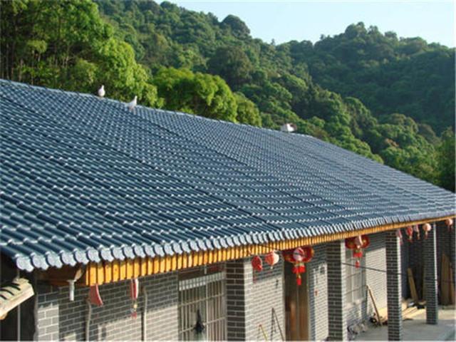 在什么情况下需要对合成树脂瓦屋顶进行加固?