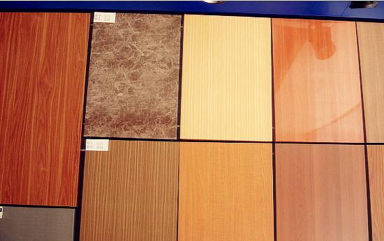 一起来看小编给大家讲解木纹铝单板与实木原木相比的优劣势