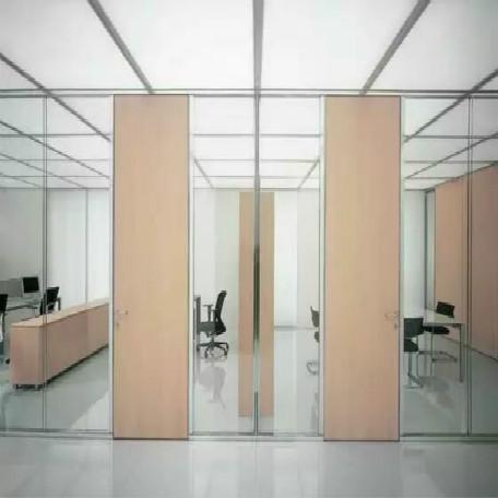 玻璃隔断墙的验收工作主要从两个方面入手!