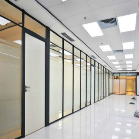 办公室磨砂玻璃隔断的特点有哪些?