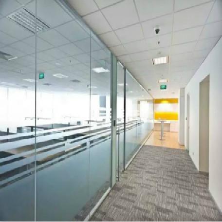 关于办公室玻璃隔断的种类大家了解吗?主要有哪些?