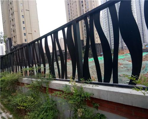 西安铁艺护栏厂家