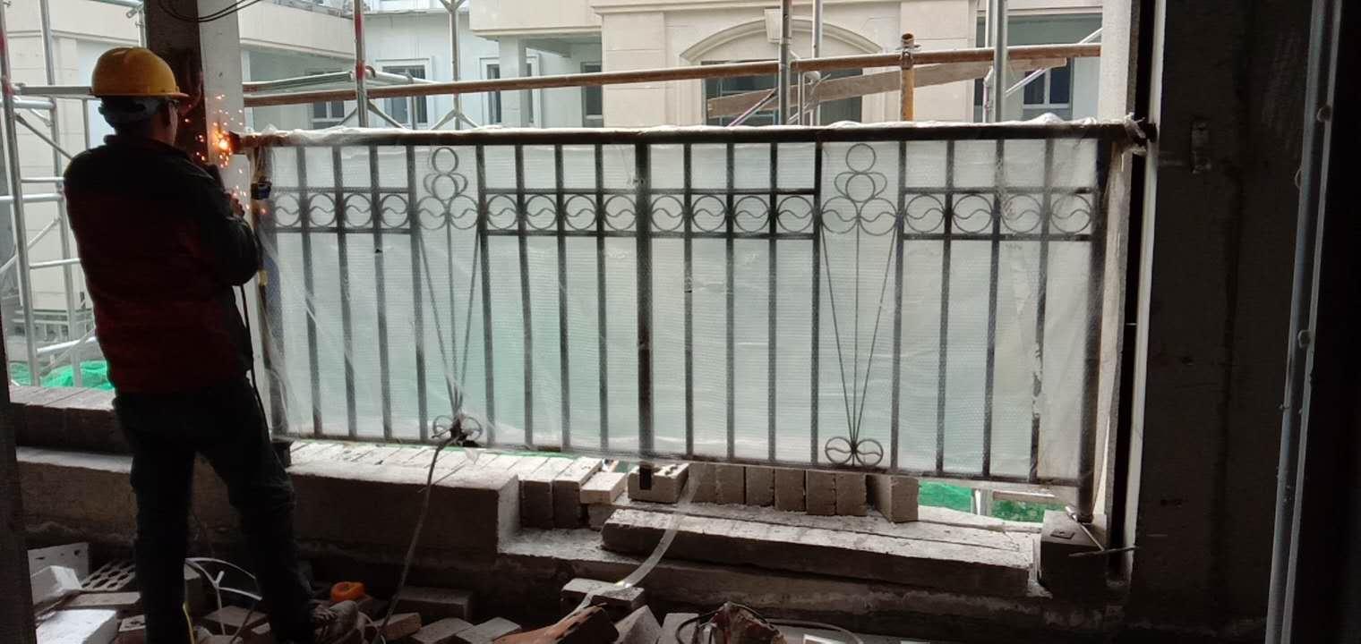西安铁艺护栏施工案例