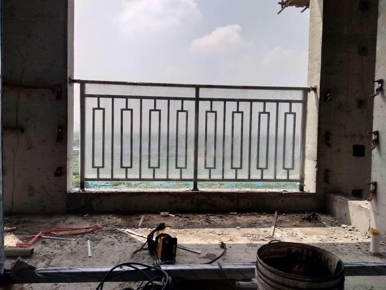 铁艺护栏安装案例