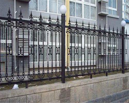 铁艺栏杆的施工工艺是怎样的?西安铁艺栏杆厂来讲解