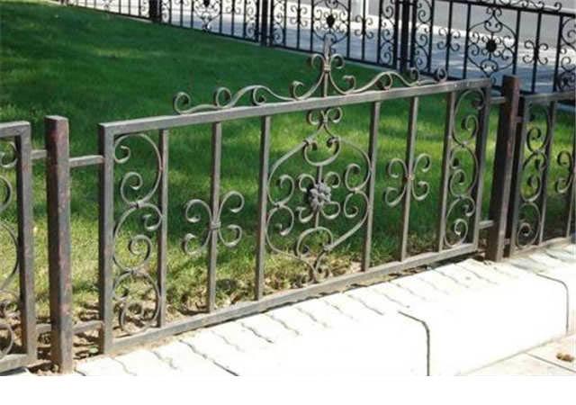 西安草坪护栏生产