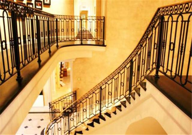 西安铁艺楼梯扶手设计