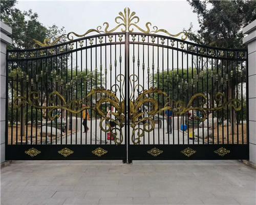 为了更好的装饰庭院,铁艺大门的选用技巧了解一下