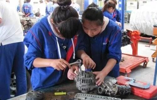 汽车维修市场存在巨大潜力,汽修专业也是受到广泛关注