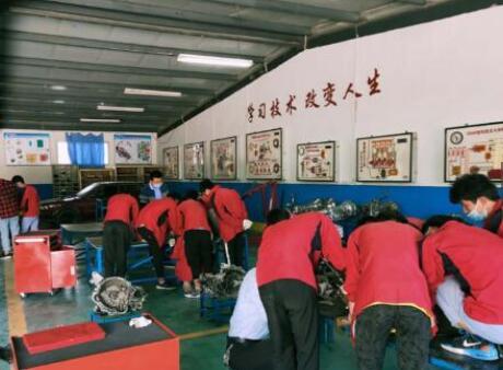 隴原技工學校的教育方式具有鮮明優勢