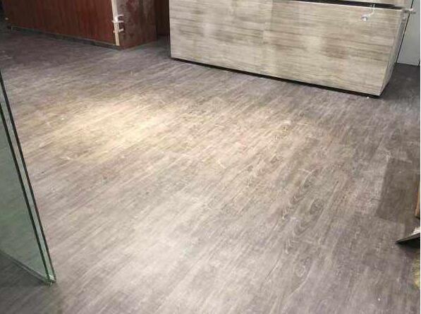河南石塑地板厂家