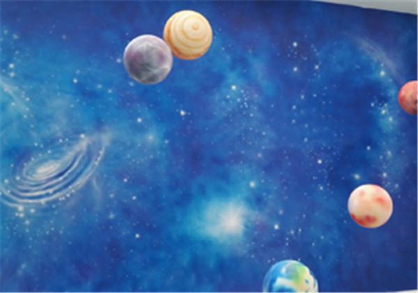 精彩的墙体彩绘会让人眼前一亮,如何设计彩绘作品更加出彩