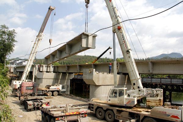 荆门桥梁吊装_吊车设备