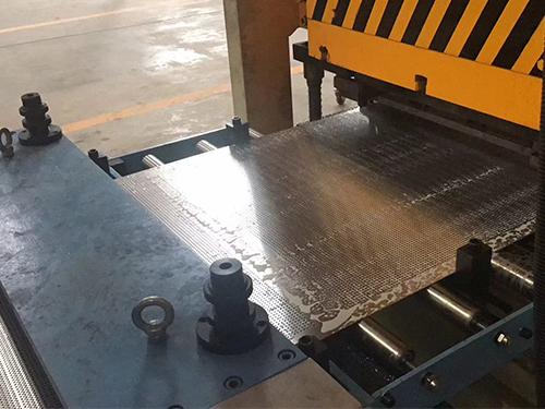 成都铝方通生产车间面貌