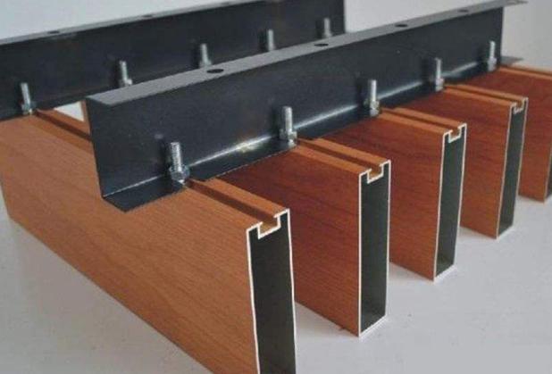 四川型材鋁方通