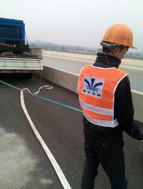 新签约一千公里微缆微管吹缆工程