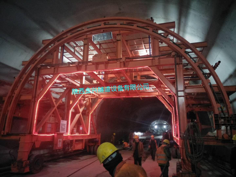 隧道施工团队