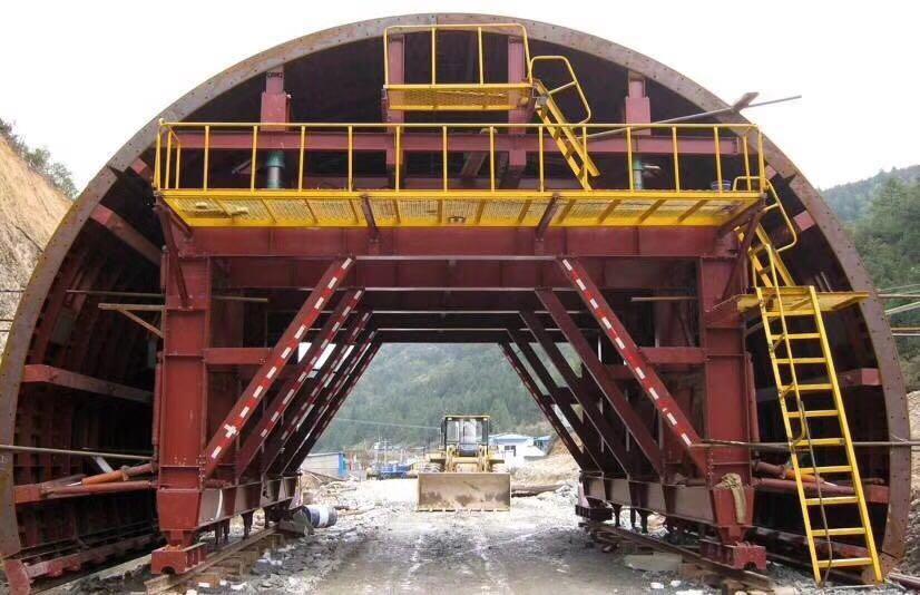 隧道加宽段衬砌台车