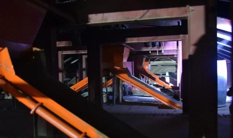 隧道混凝三级逐窗分流浇筑