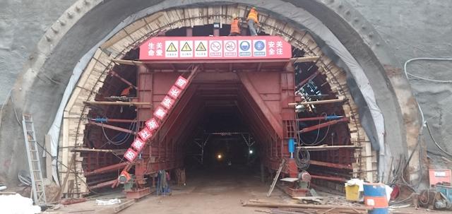 黑龙江农垦路桥:连霍呼北高速连接线三门峡段