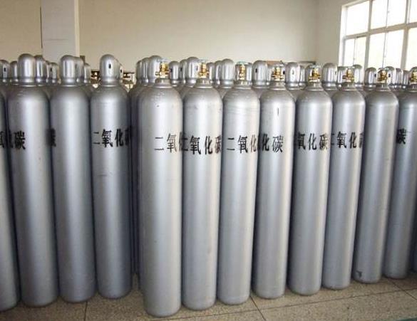 陕西二氧化碳气体用途很广,其用量仅次于氧气