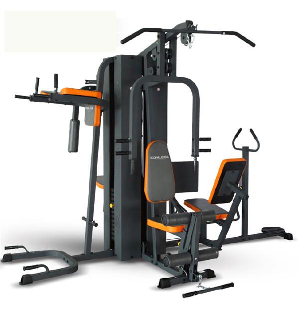 踢腿动作 健身器材
