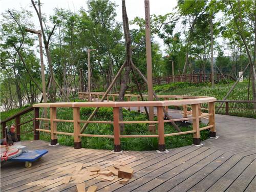 成都防腐木栅栏-露天音乐公园栏杆