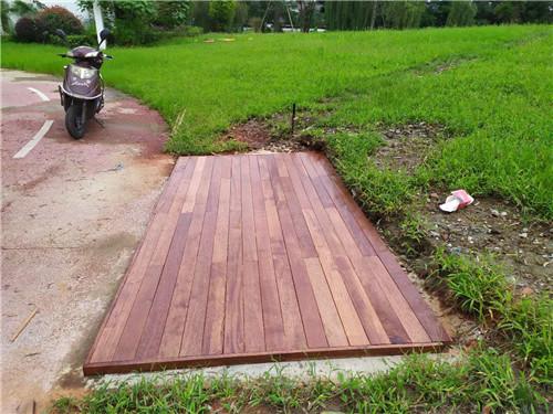 成都防腐木地板案列