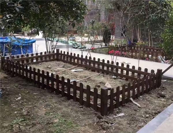 南充防腐木栅栏工程案例